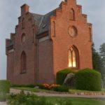 Kapellet i aftenlys